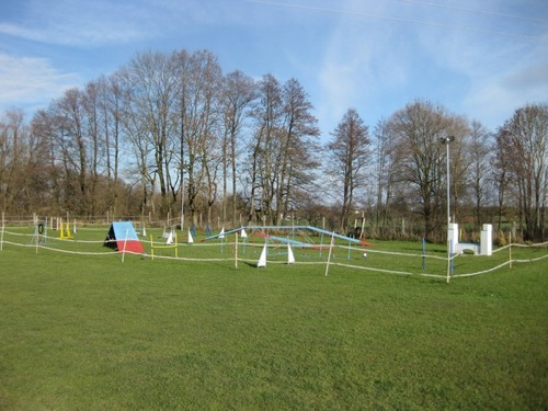http://erdinger-hundeschule.de//images/stories/gelande/small/03-gelaende_0005_klein.jpg